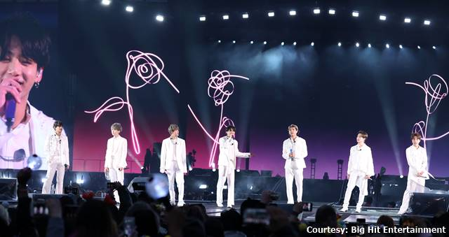 Jae-Ha Kim » BTS Warm Up Soldier Field With Sold-Out Stadium Show